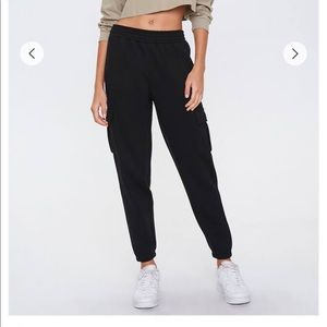 Forever 21 Fleece Cargo Joggers Size L